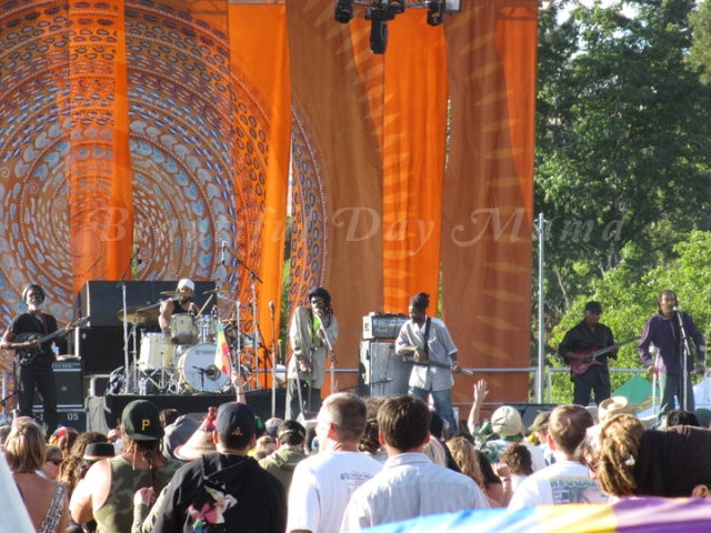 Israel Vibration on the main stage